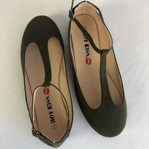 Hot Kiss Mary Jane Ballet Flat Size 7